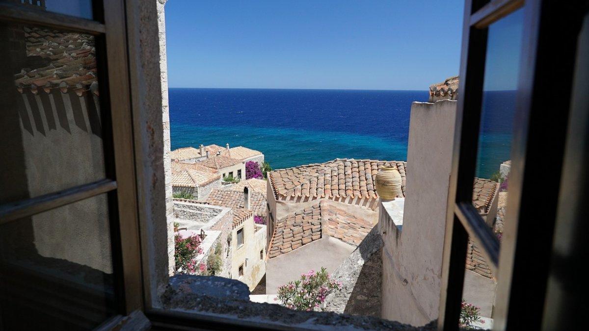 Top προορισμοί Ελλάδα Μονεμβασιά με υπέροχη θέα από ψηλά