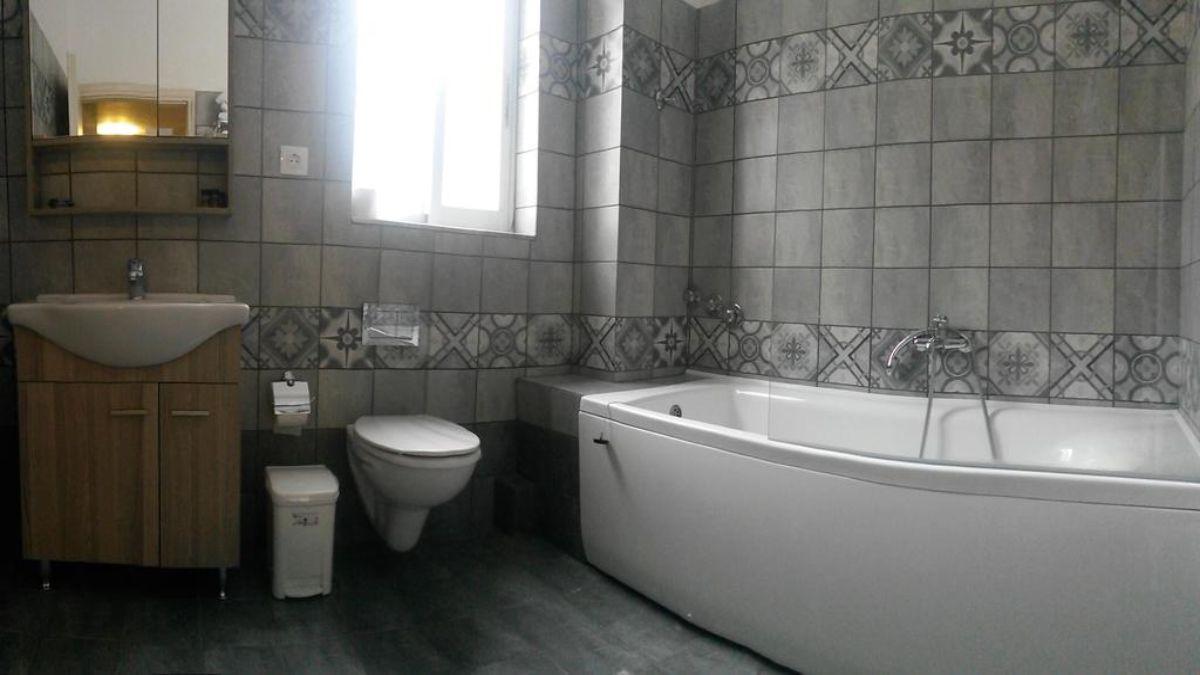 Μπάνιο hotel Kalloni