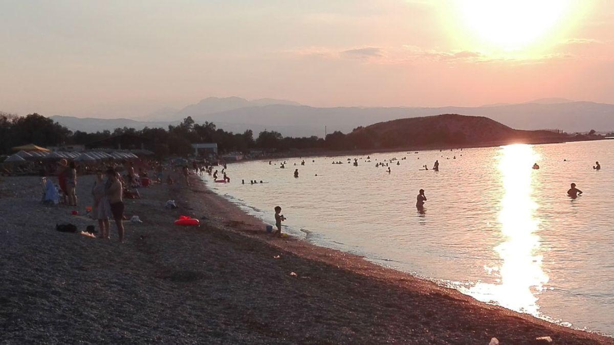 Ηλιοβασίλεμα στην παραλία Κανταρέ