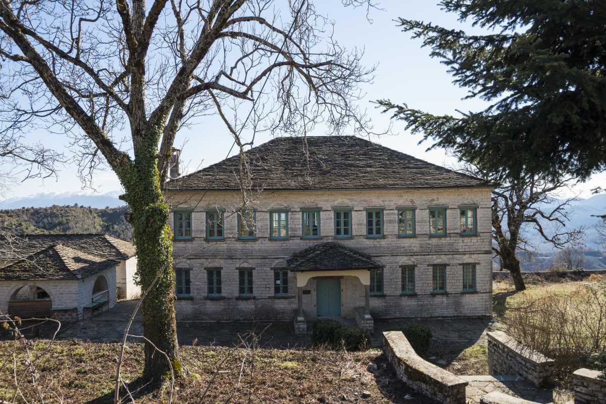 Κτήρια, Καπέσοβο, Ζαγόρι
