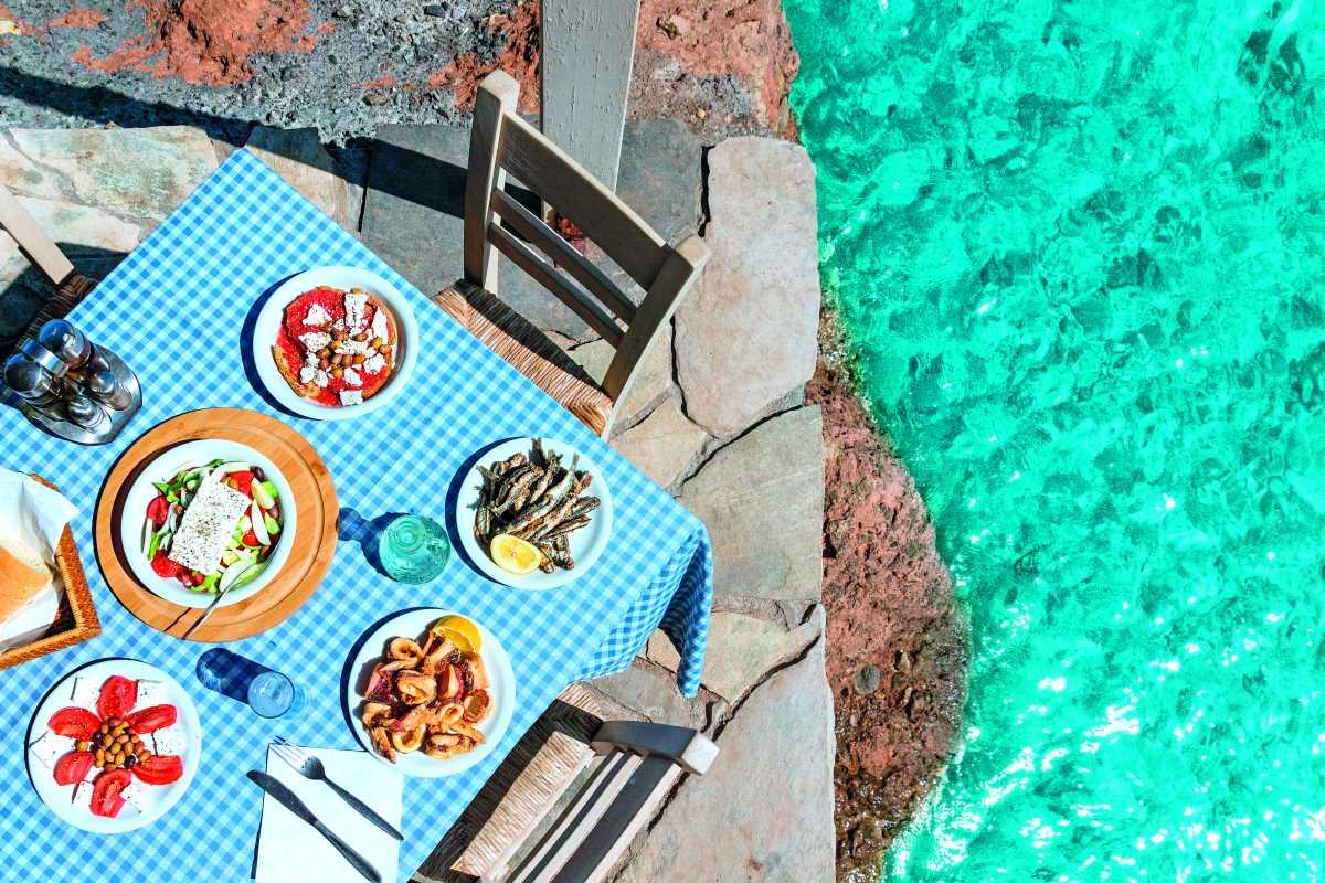 Γεύμα δίπλα στη θάλασσα, Μάνη