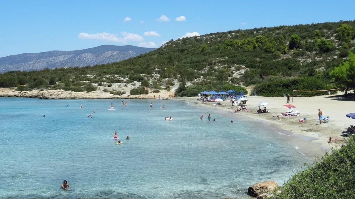 παραλία Λεπίτσας λευκή άμμος