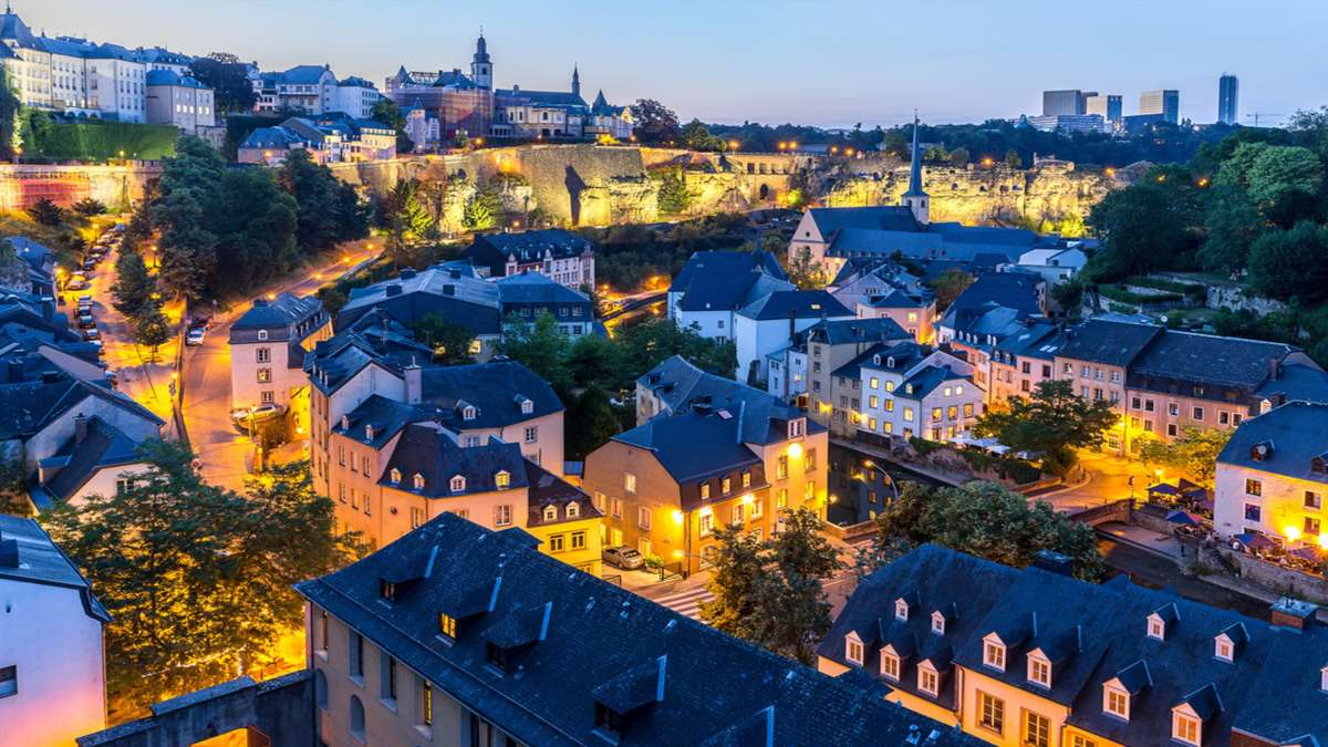 Λουξεμβούργο φωτισμένο απόγευμα
