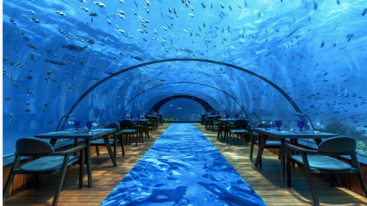 Υποβρύχιο γυάλινο εστιατόριο
