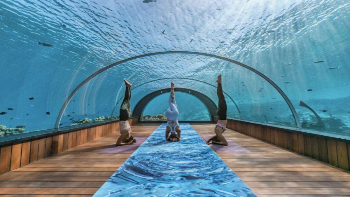 υποβρύχιο εστιατόριο που μετατράπηκε σε στούντιο γιόγκα
