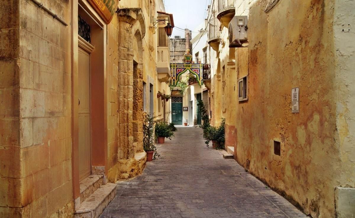 Βόλτα στα γραφικά σοκάκια της Μάλτας
