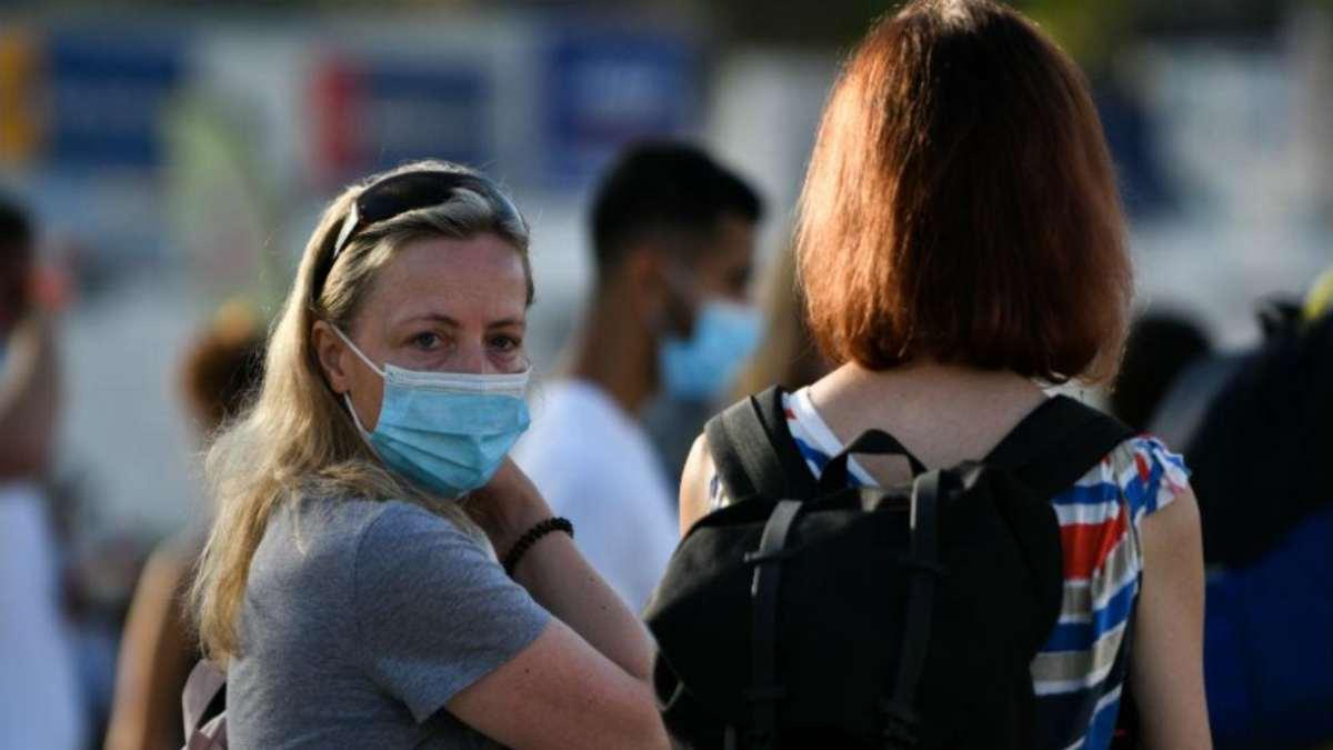 νέα μέτρα κορονοϊός αθήνα γυναίκα με μάσκα