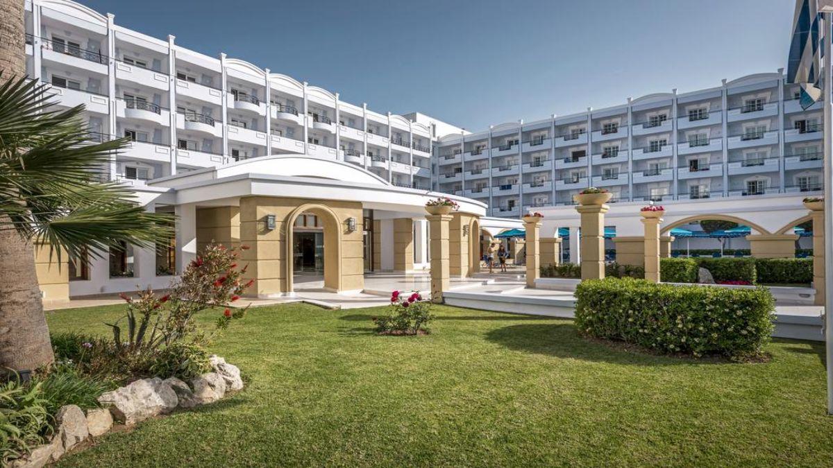 Το ξενοδοχείο εξωτερικά