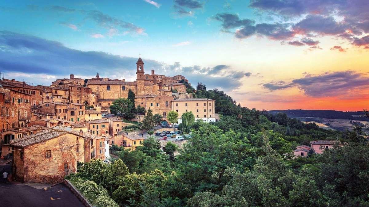 Montepulciano ιταλική πόλη σε λόφο