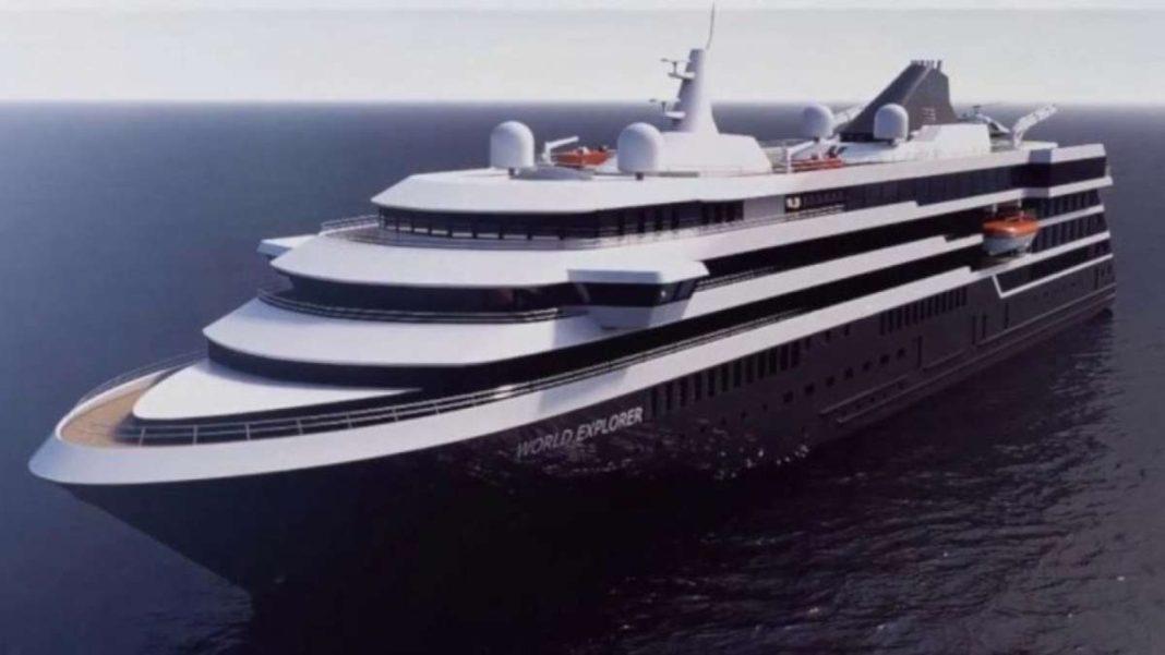κρουαζιερόπλοιο πλέει στη θάλασσα ms world explorer