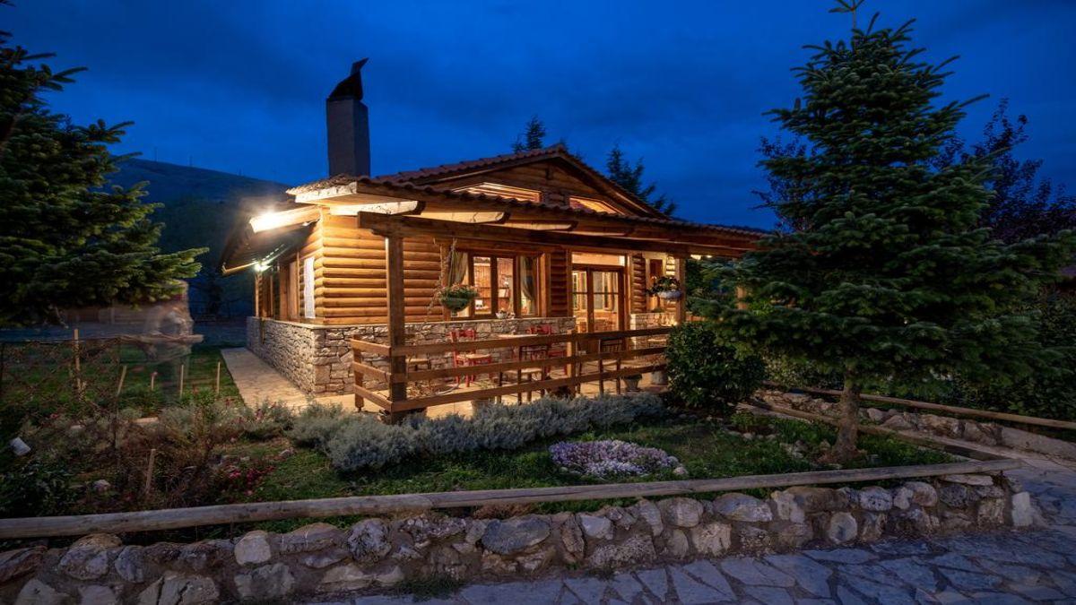 Ωριάς ξύλινο σπίτι