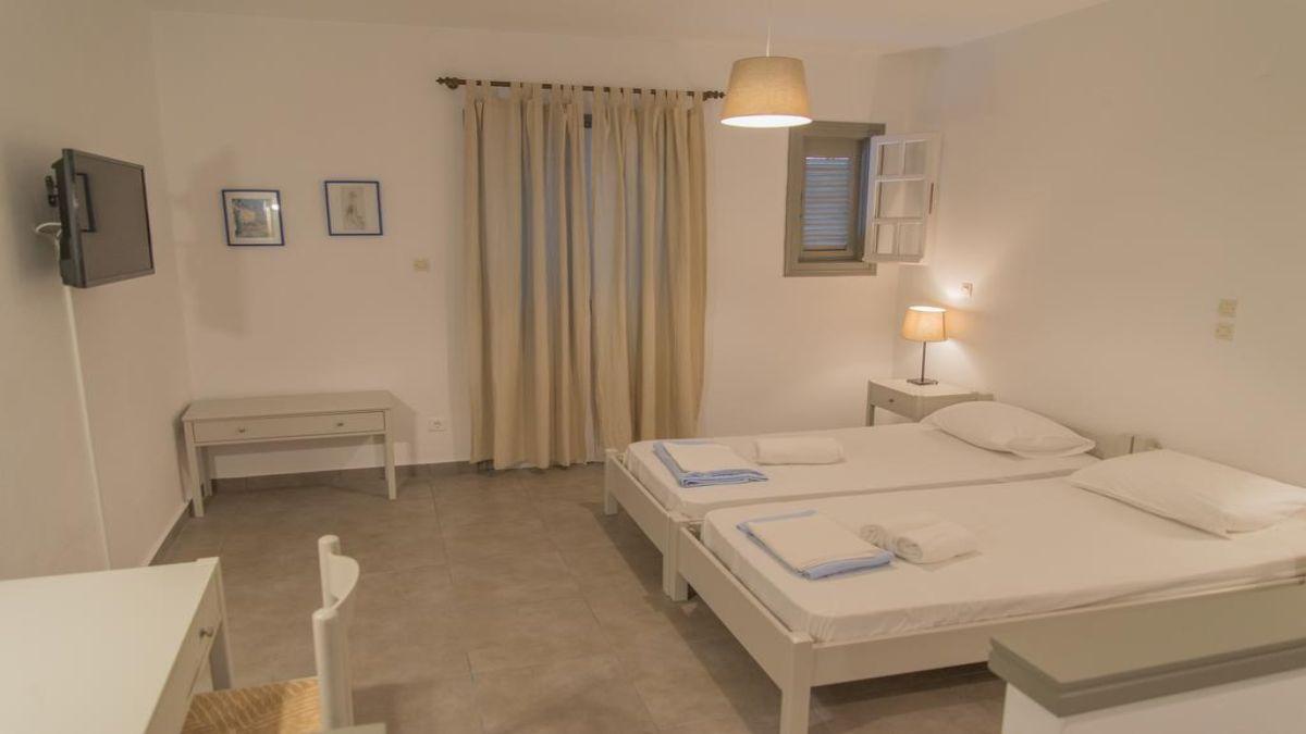 Ostria λευκό δωμάτιο