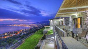 Ένα υπέροχο πέτρινο ξενοδοχείο στην Καλαμάτα με απίστευτη θέα, ιδανικό για φθινοπωρινές αποδράσεις, από τον Τάσο Δούση