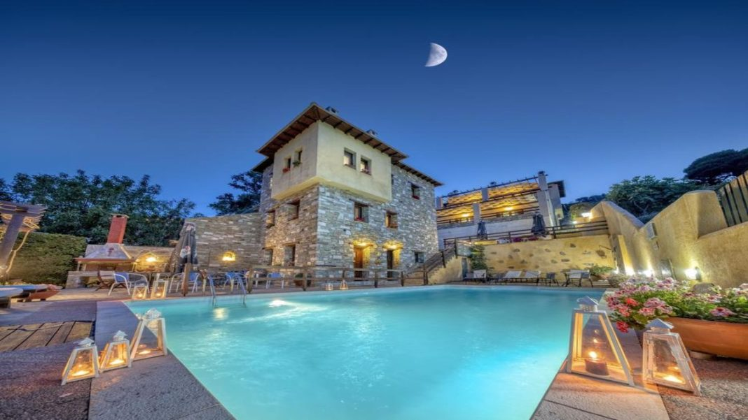 Hotel Πετράδι πισίνα