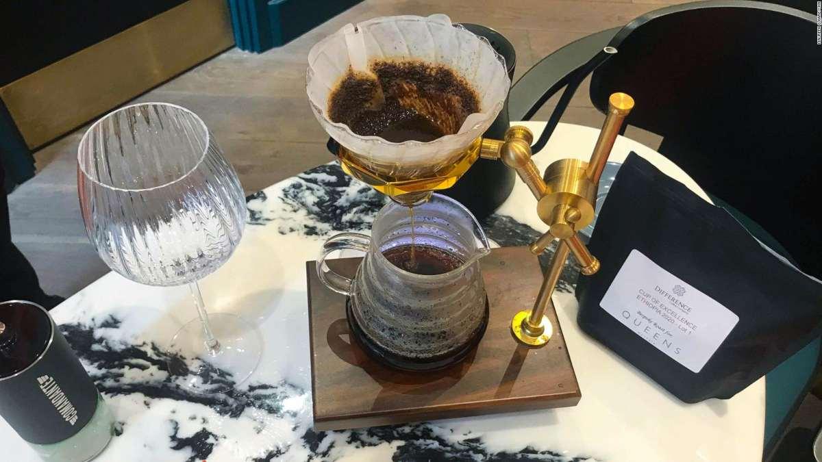 queens of mayfair Λονδίνο ακριβός καφές παρασκευή