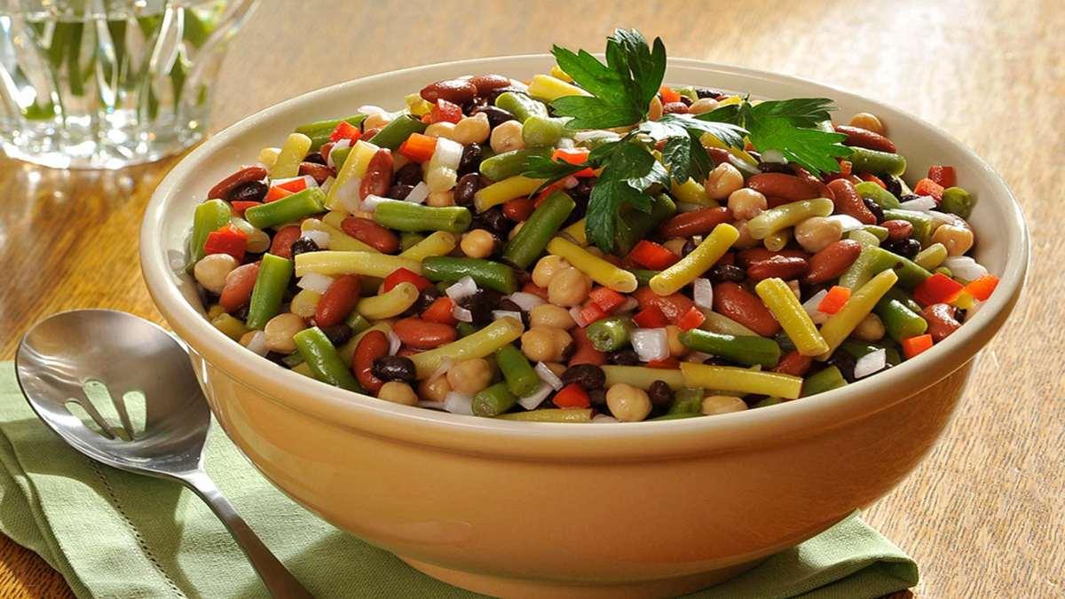 σαλάτα με όσπρια και λαχανικά