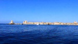Το άγνωστο ελληνικό νησί με τη σπάνια ομορφιά και τη μια μόνη παραλία που θυμίζει Καραϊβική! (video)