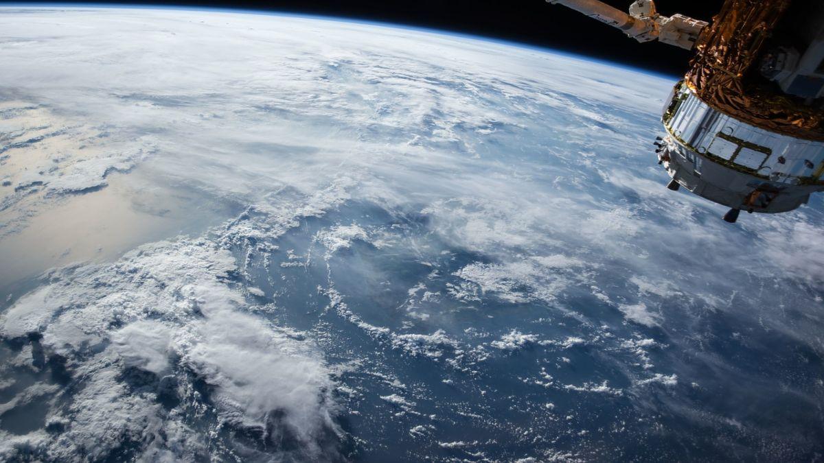 Δορυφόρος διάστημα