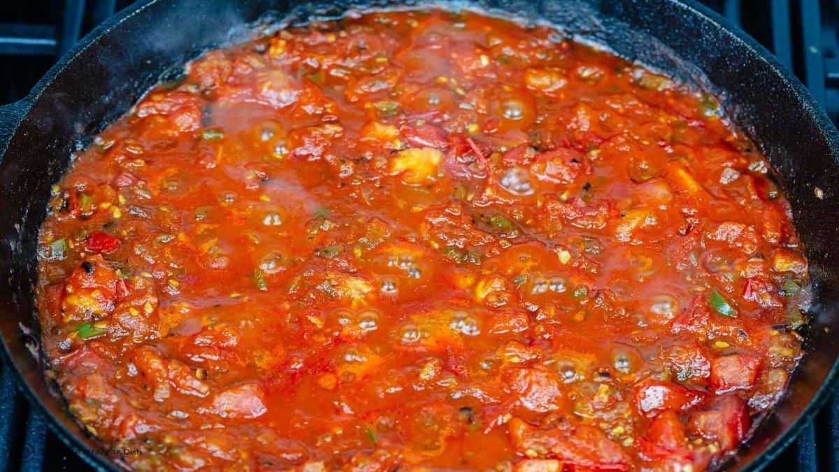 Σακσούκα-σάλτσα ντομάτας