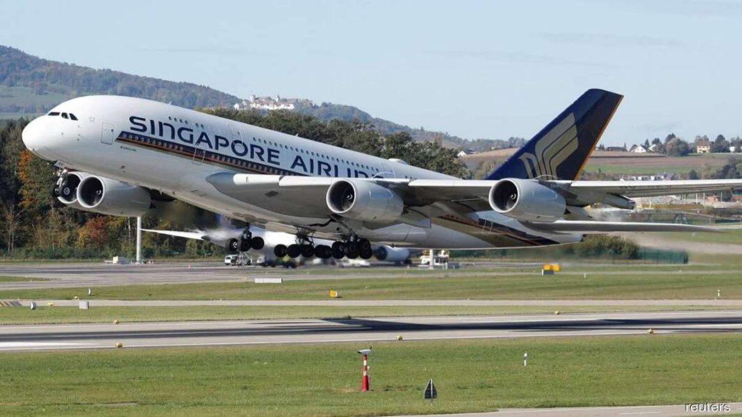αεροσκάφος singapore airlines απογείωση