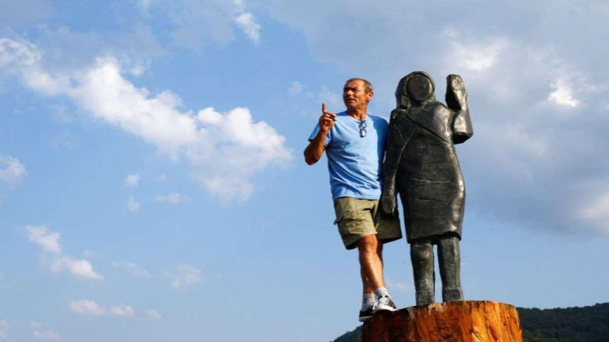 μπρούντζινο άγαλμα Μελάνια Τραμπ Σλοβενία καλλιτέχνης