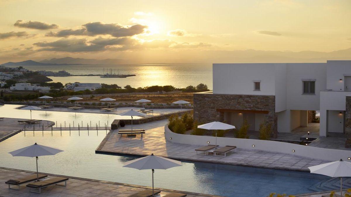 summer senses πισίνα το ηλιοβασίλεμα