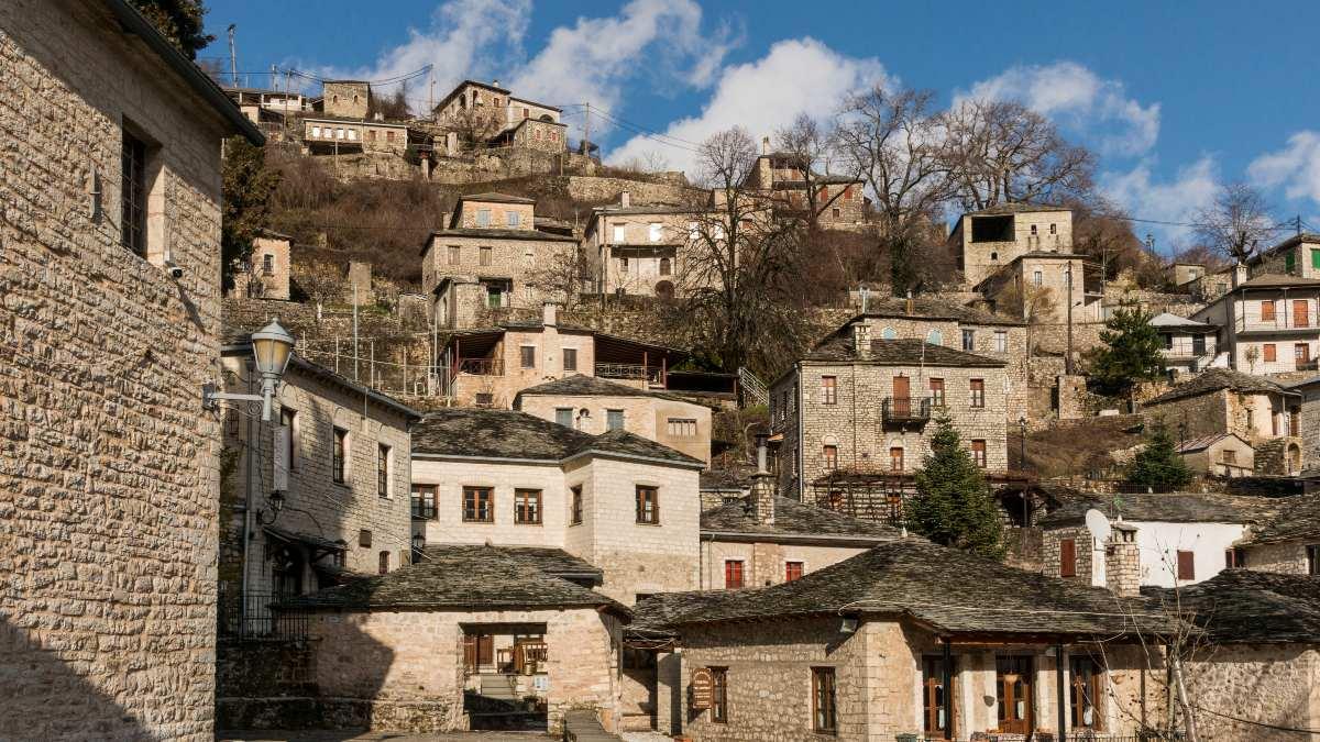 γραφικό χωριό Συρράκο πέτρινα σπίτια