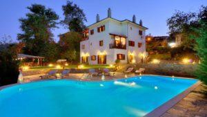 Ένας πανέμορφος παραδοσιακός ξενώνας στη Ζαγορά Πηλίου με βαθμολογία 9,6 από τον Τάσο Δούση