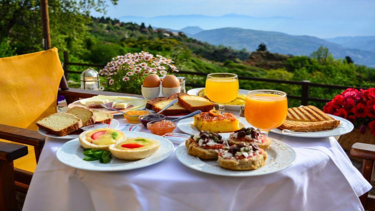 Πρωινό στον Ξενώνα Βαρνεβό