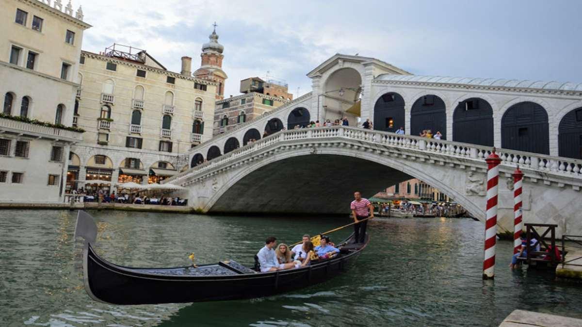Βενετία κανάλι γόνδολα