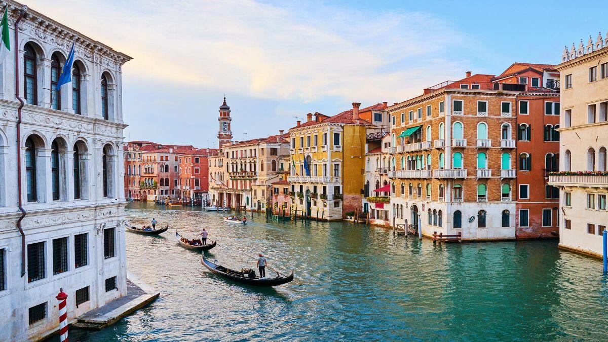 Βενετία κανάλια νέο δρομολόγιο Ryanair από Ρόδο
