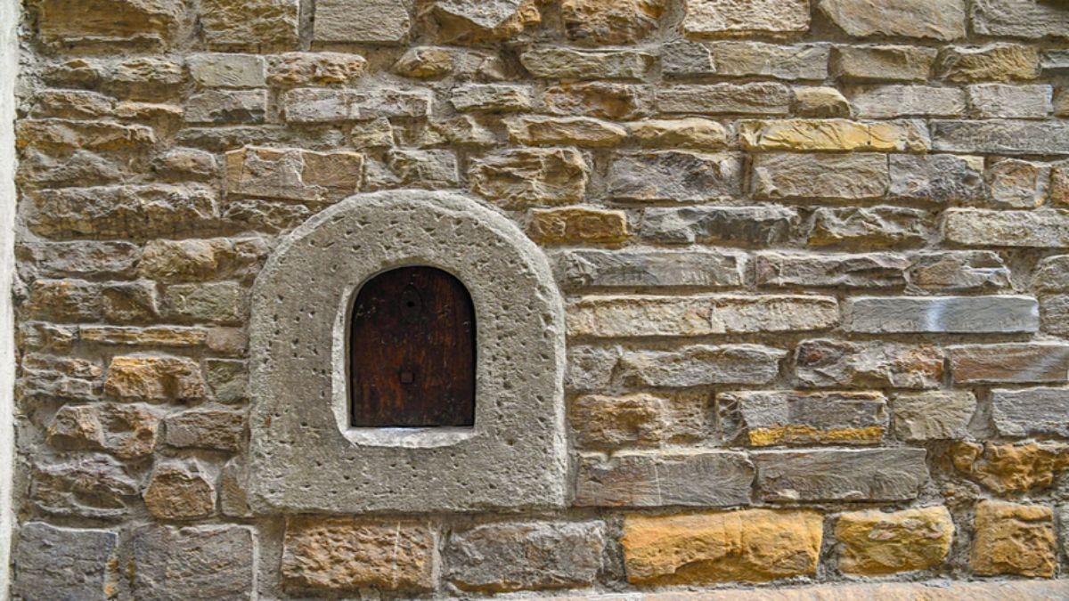 τα παράθυρα του κρασιού, έθιμο του 17ου αιώνα