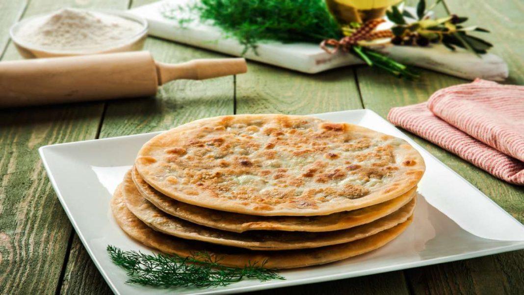 χανιώτικες παραδοσιακές μαραθόπιτες σε πιάτο