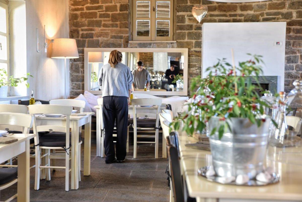Μικρό Πάπιγκο πράσινο ξενοδοχείο κουζίνα