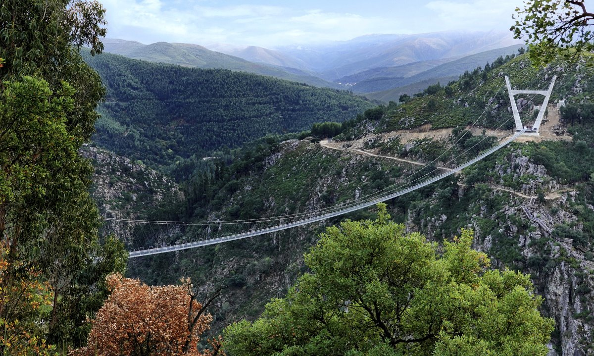 516 Arouca Bridge Πόρτο πανοραμική ένωση δύο βουνών