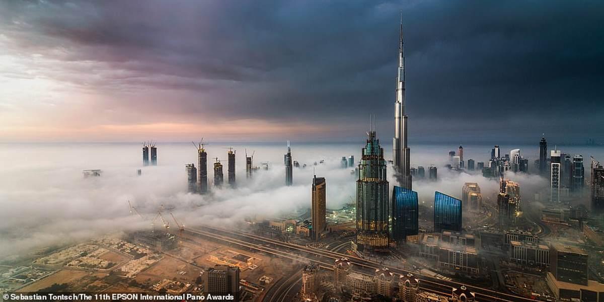 Μια εντυπωσιακή εικόνα του Ντουμπάι που τραβήχτηκε από τον Ισπανό φωτογράφο Sebastian Tontsch