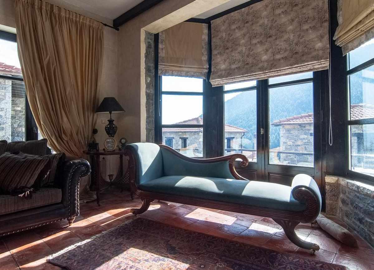Ostra Menalon lounge