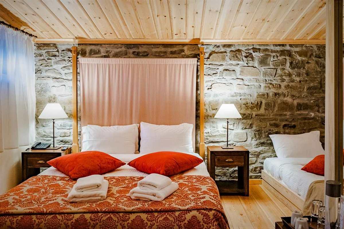 Δίκλινο δωμάτιο στο Rodia Boutique Hotel, Κήποι, Ζαγόρι