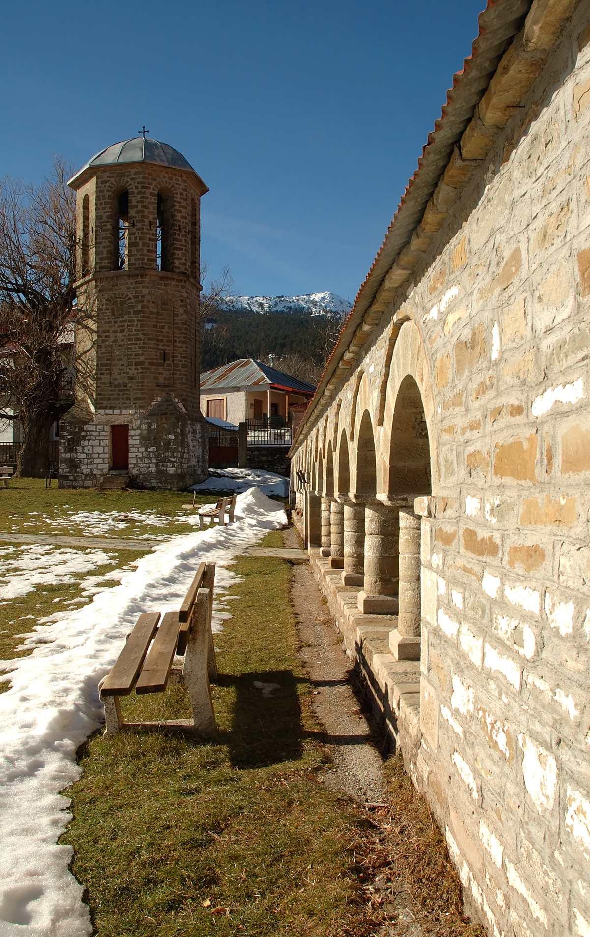 Χωριό Σαμαρίνα παράξενο και ψηλότερο βαλκανίων