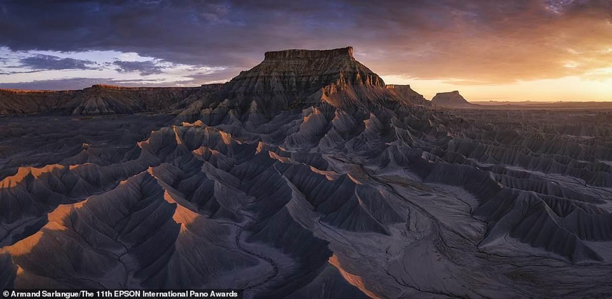 Ο Sarlangue εντυπωσίασε τους κριτές με αυτό το πλάνο των Badlands της Γιούτα. Ήρθε 42η στην κατηγορία Open Landscape / Nature