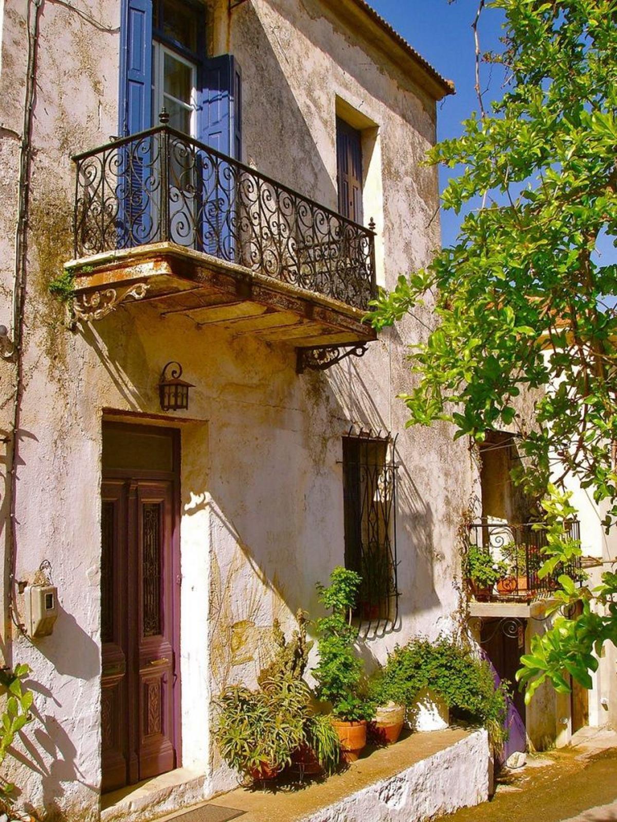 Βάμος χωριό Χανιά παλιό σπίτι βεράντα