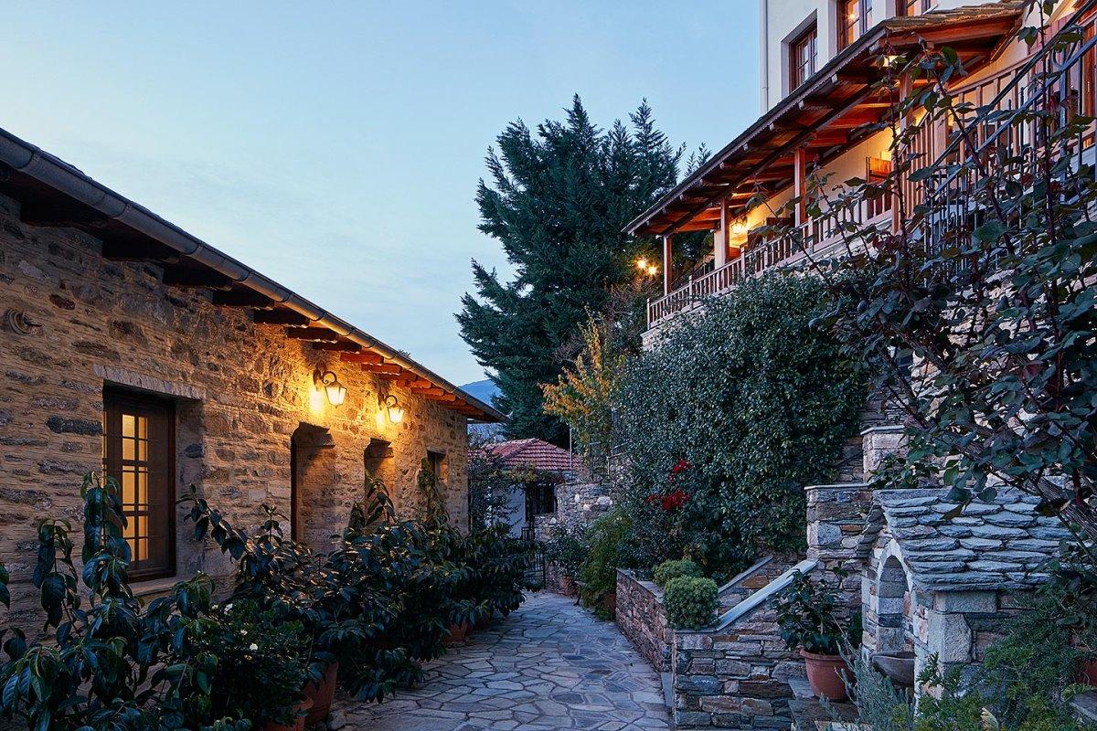 Άγιος Λαυρέντιος ξενώνας Δρυάδες