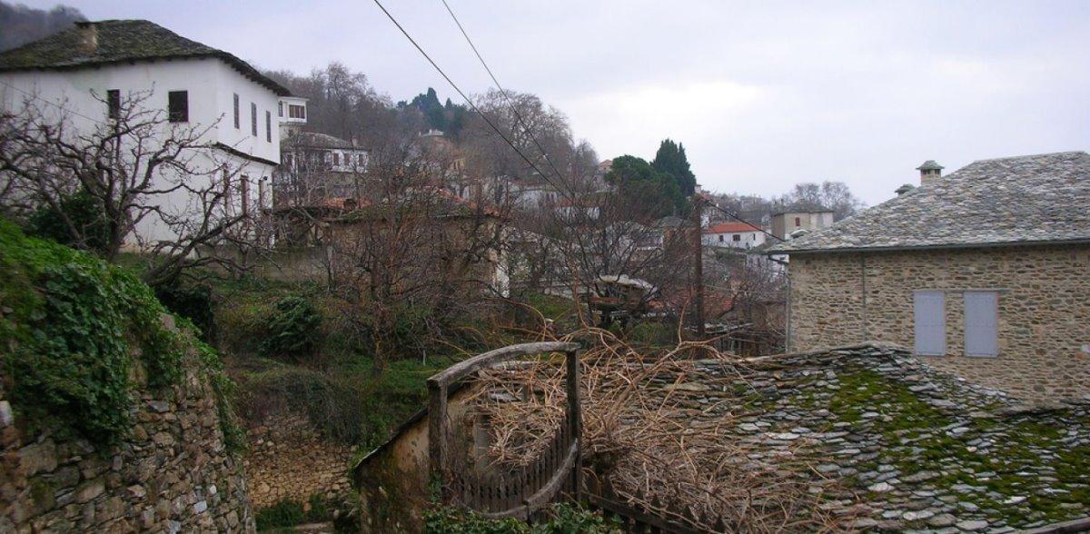 άγιος λαυρέντιος γραφικό χωριό της Ελλάδας