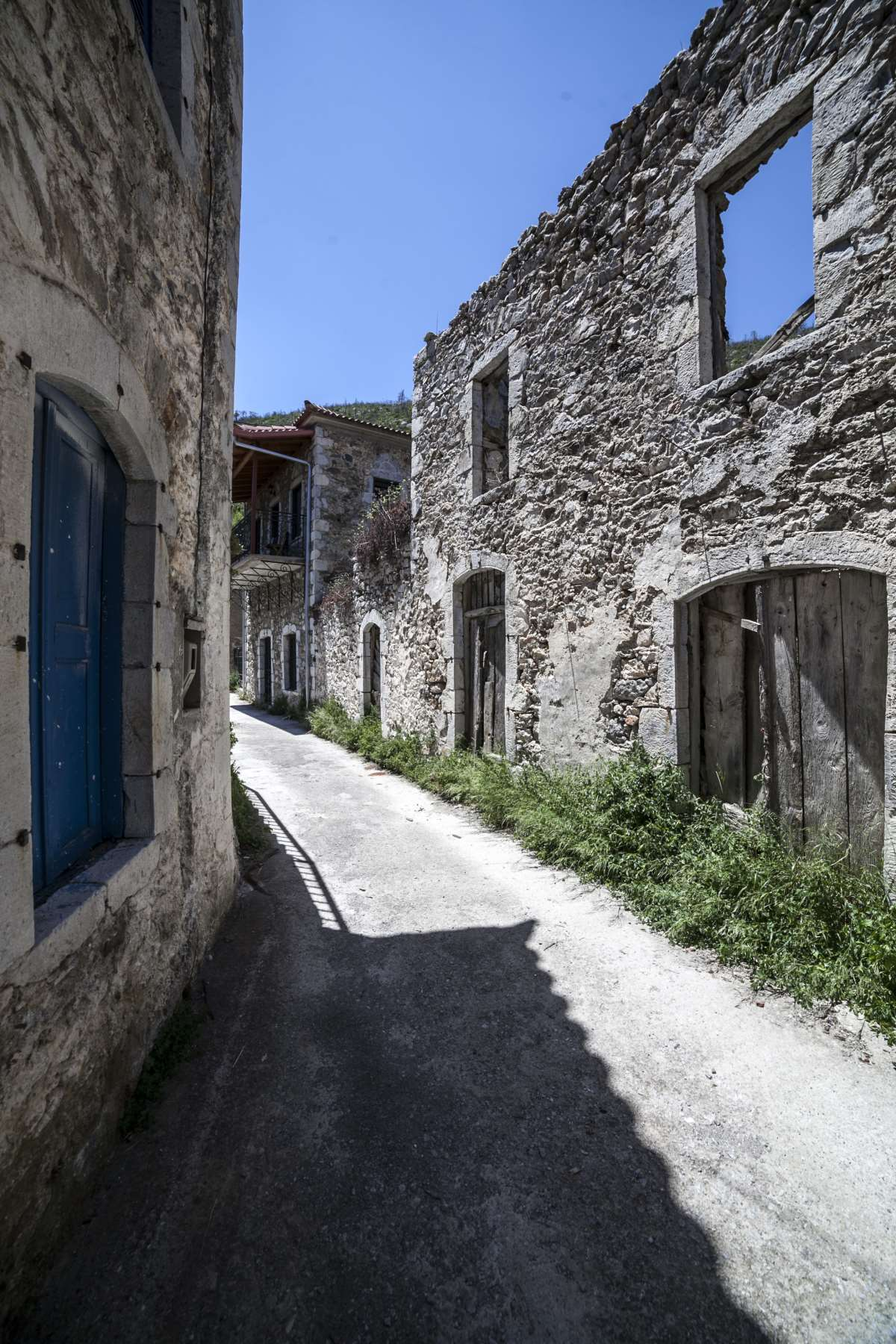 Αγριανοί Λακωνίας,κάνουμε βόλτα στα σοκάκια με τα λιθόχτιστα κτήρια