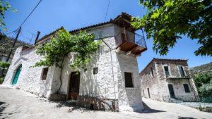 Αγριάνοι Λακωνίας: Ανακαλύπτουμε το μικρό, ορεινό χωριό που χτίστηκε από τον Μέγα Αλέξανδρο! (φωτο)