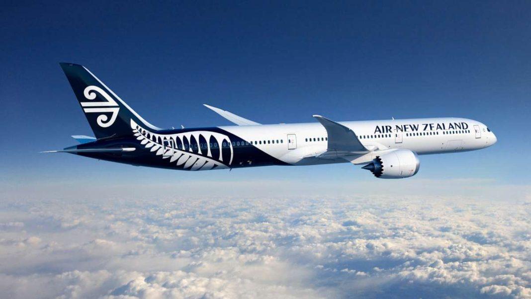 Αεροπλάνο της Air New Zealand πετάει στους αιθέρες