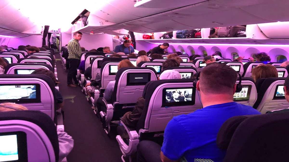 Αεροπλάνο της Air New Zealand καμπίνα με επιβάτες