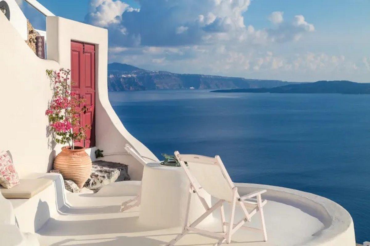 airbnb top10 λίστα σπιτιών Cave House Οία Σαντορίνη