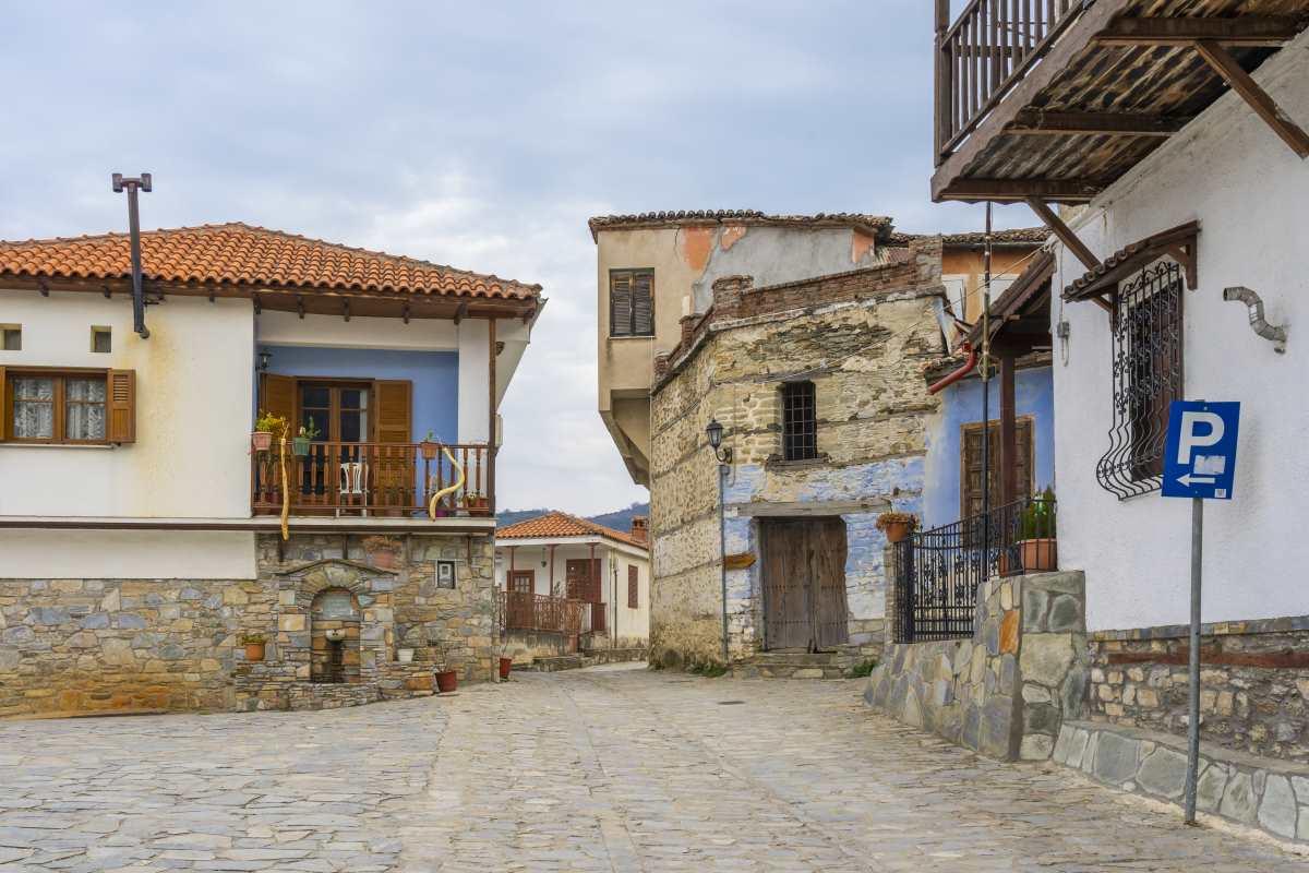 Αμπελάκια Λάρισας, βόλτα στο χωριό