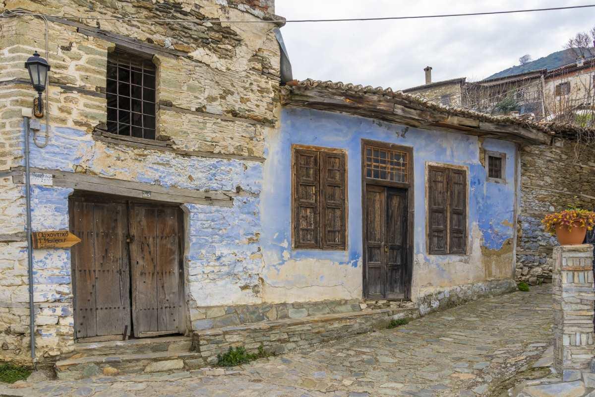 Αμπελάκια Λάρισα, παλιά κτήρια